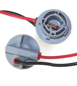 904365 Патрон под лампу P21W с проводами, пластик TM Nord YADA