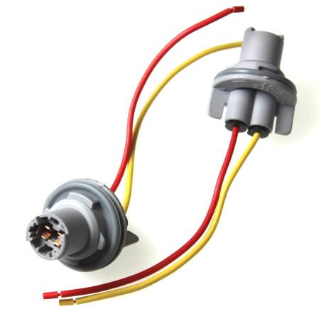 903183 Патрон под лампу W5W (T10 тип 6) с проводами пластик TM Nord YADA